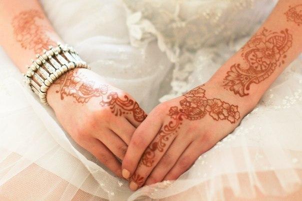 Рисунки хной на руках на свадьбу